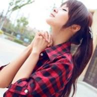 格子衫的女生头像_格子衫女生_女生头像,美女头像-www.qqtu8.net