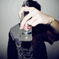 喝饮料非主流男生_www.qqtu8.net
