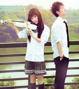 回忆青春的情侣头像_www.qqtu8.net